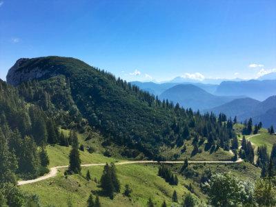 Bergwanderung auf Rauschberg in Ruhpolding Bayern - Blick vom Gipfel
